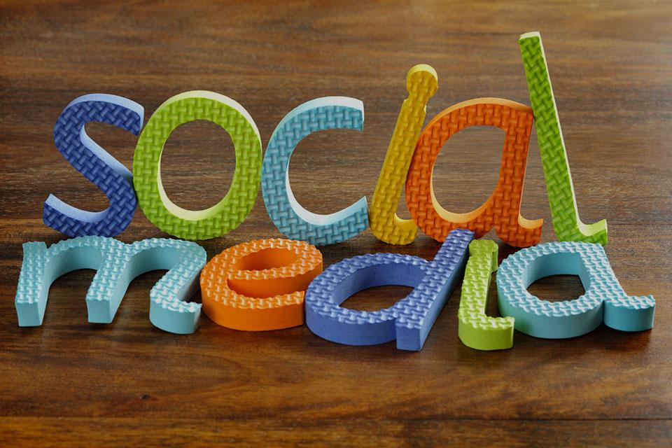 Réseaux sociaux professionnels : 4 conseils pour vous démarquer !